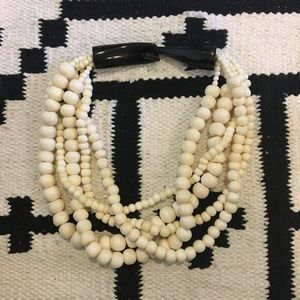 Jewelry - White beaded chunky necklace